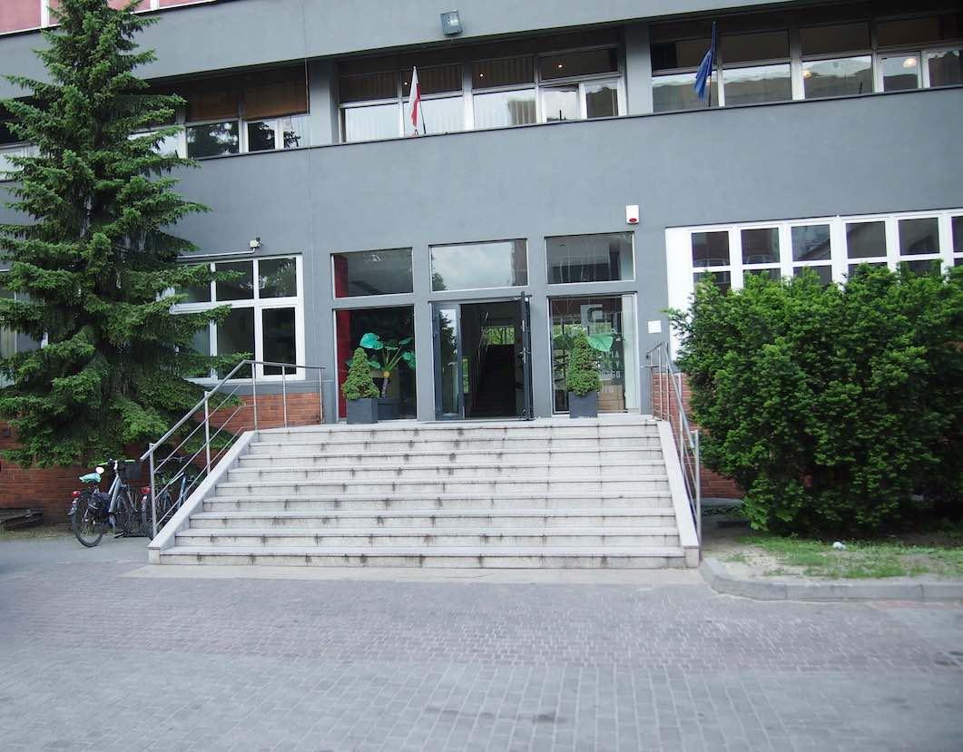 Wejście do budynku psycholog